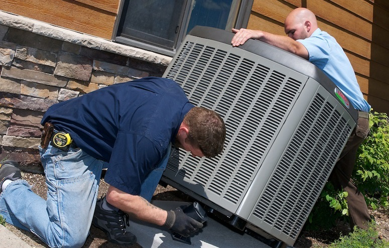 When to Replace Your Air Conditioner – 4 Signs